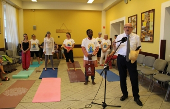 Deputy Mayor of Esztergom Mr. László Bánhidy speaks to the participants of the 5th International Day of Yoga in Esztergom, Hungary.