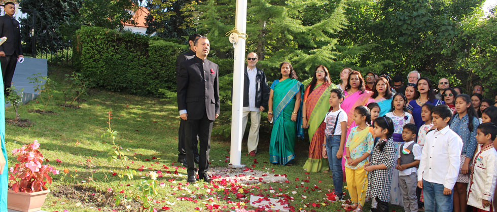 The 73rd Independence Day Of india was celebrated with great fervour and exuberance by the Embassy Of India in Hungary with the Indian diaspora and friends of India. The audience turned in huge numbers.The programme started with the flag hoisting done by H. E Sri Kumar Tuhin, followed by singing of National Anthem.
