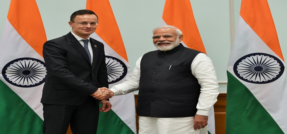 Prime Minister Shri Narendra Modi meets Foreign Minister Mr. Péter Szijjártó  on the sidelines of the RaisinaDialogue2020